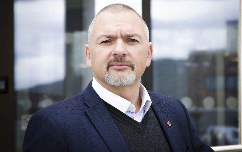 BEKREFTER: Rådmann Lars Skjønnås bekrefter at kommunen er anmeldt for brudd på opplæringsloven. Han tar anmeldelsen til etterretning.