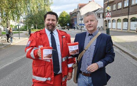 KLARE: Trond Viggo Mora i Horten Røde Kors og ordfører Are Karlsen er klare for å gjøre en innsats for de katastroferammede i Øst-Afrika og Jemen.