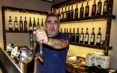 GÅR BRA: Muran Barat er fornøyd med utviklingen, og nå er det også alkoholservering ved spisestedet på Kjellmyra.