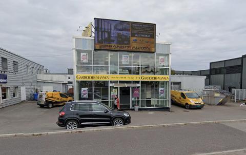 KONKURS: Garderobe-Mannen har stengt dørene. Det er usikkert hvordan butikken på Kilen i Tønsberg rammes av konkursen.