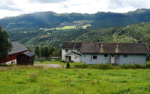 Da Pålsøygard ble solgt som tilleggsjord i 2016 var det et vilkår at det skulle bo folk på eiendommen.