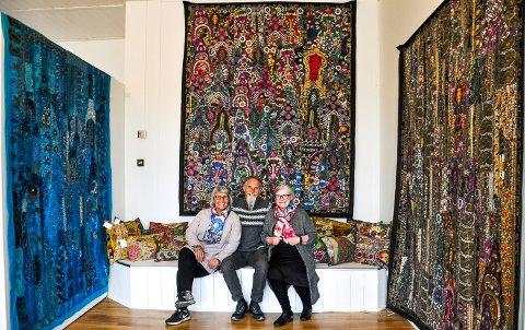 ET FYRVERKERI AV FARGER: Kari Hestnes, Per Svendsen og Grete Halvarda Hartvigsdatter inviterer til bazar.