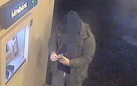 SIKTET: Mannen er siktet for å ha stålet ni bankkort og tappet dem for penger. Etterforskningen fortsetter.