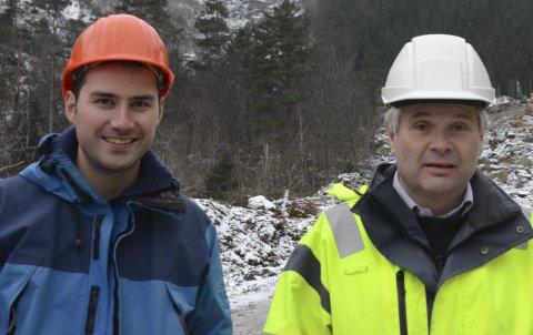 Kraftutbygging: Her er Bård Moberg og Jan Ove Sæd i samband med ei tidlegare kraftutbygging.Arkivfoto: Kristin Eide