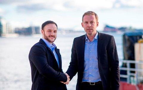 NY REPRESENTANT: Daglig leder Olafur Gislason i NOR ønsker Sean Demanuele velkommen på laget. Demanuele er selskapet nye kontorleder i Aberdeen. Bildet er tatt før det ble «ulovlig» med håndhilsing.