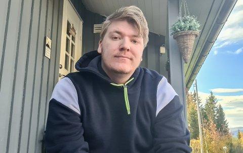 SPENT: Tobias Hopen er i full gang med prosjektet sitt, og er veldig spent på utgivelsen.