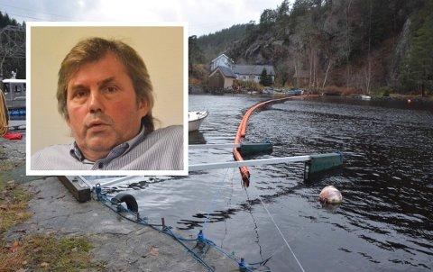 Det ble lagt ut oljelense i Kammerfosselva ved brua over til Åtangen da utslippet fant sted i midten av november. Daglig leder Roar Paulsrud forsikrer at det blir gjort forebyggende tiltak. Foto: Per Eckholdt