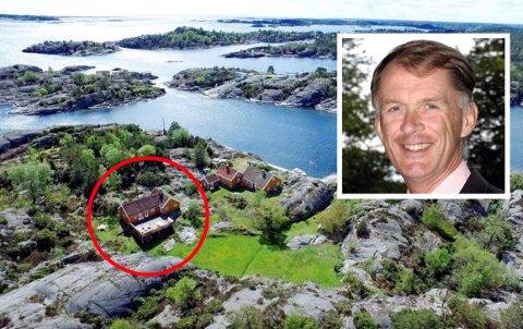 SKAL RIVES: Det er denne hytta Jonas Gustaf Aspelin Ramm skal erstatte med en ny. Han eier også hytta ved siden av.