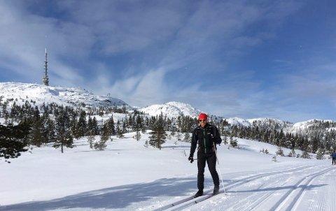 KNALLFØRE: Mildere temperaturer og sol gjør at det blir fint på fjellet. Bildet er tatt på Knutefjell ved en tidligere anledning.