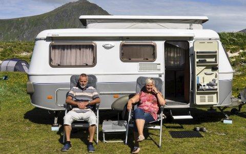 Fint vær: Sietze og Ina håper på å få se Lofoten fra en lysere side.