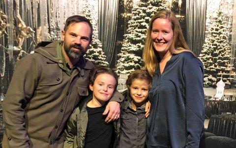 FAMILIEPROSJEKT: Will, Liam, Elias og Maria Keeler håper de snart kan få realisert ønsket om å bo et semester i Svolvær.