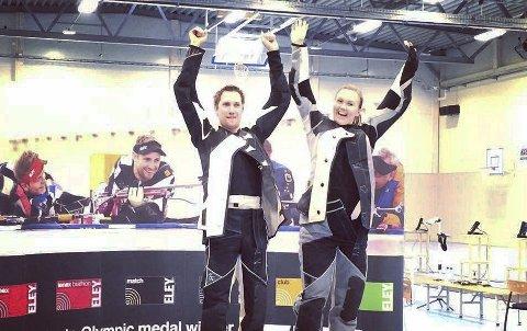 Strakk armene i været: Are Hansen og Malin Westerheim kunne være godt fornøyde med gull i NM. Foto: Privat