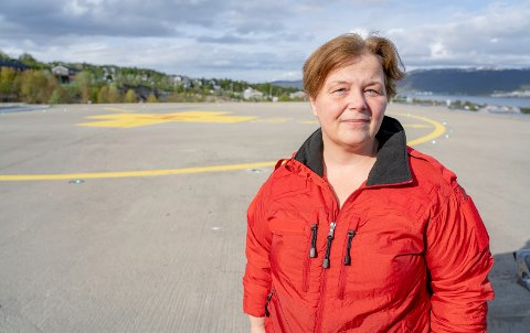 BEKYMRET: - Vi er alvorlig bekymret for hva som kan komme til å skje, dersom vi får feil på helikopteret vi har her nå, sier avdelingsleder ved Luftambulanseavdelingen på UNN, Unni Haug