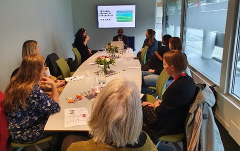 I SKIPPERGATA: Caritas Svalbard og Tromsø åpnet dørene til det nye informasjonssenteret på fredag.