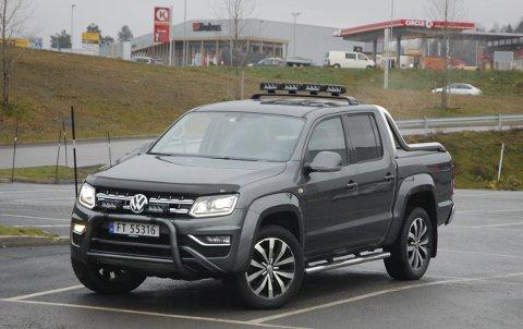 TØFF KOMBINASJON:  Som 5-seter kan du faktisk bruke en Volkswagen Amarok pickup som familiebil med lasteplan, men mest er den nok til for håndverksbedrifter.FOTO: øyvin søraa