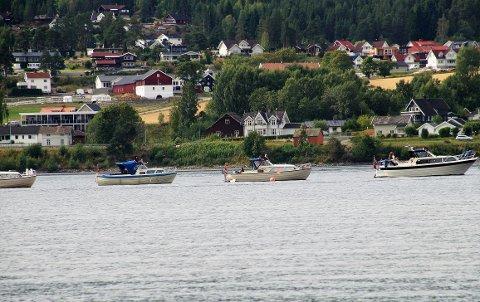 LANG REKKE: Båtene dannet ei rekke som viste seg å bli 4,78 kilometer lang.