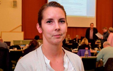 KUTT-PROTEST: Leder i Utdanningsforbundet i Østre Toten kommune, Linn Therese Myhrvold.