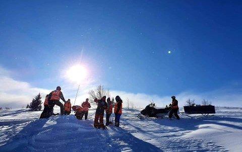KLARE: Hjelpekorpsene til Røde Kors i Valdres er klare for påsken. De planlegger for en mye travlere påske i år, enn i fjor.