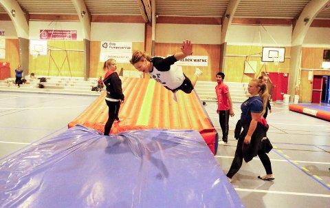 POPULÆRT: Ski IL Turn hadde god oppslutning hele dagen i 2016. Joakim Kindberg storkoste seg med alle aktivitetene til turngruppa.