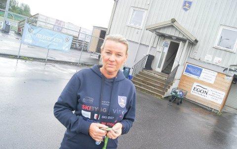 IKKE I MÅL: Daglig leder Ragnhild Carlsen og Ski IL Fotball har ennå ikke fått tilbake alt tyvegodset etter innbruddet for en måned siden.