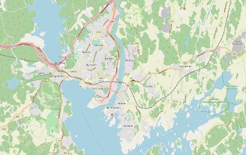 TORDEN: Tirsdag ettermiddag slo lynet ned ved Hølen på Østre Halsen.