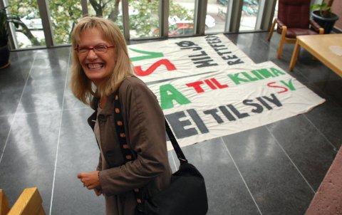 SVAK OPPSLUTNING: Karin Andersen og SV opplever en svakere oppslutning enn i mai, men er innstilt på å kjempe hardt for å sikre mandatet. (Foto: Rune Hagen)