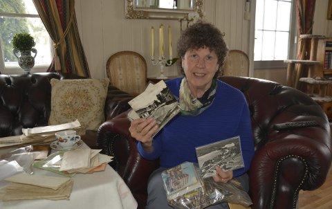 TRE TUSEN: Marit Kilen har rundt tre tusen postkort, flere av dem ennå ikke sortert.