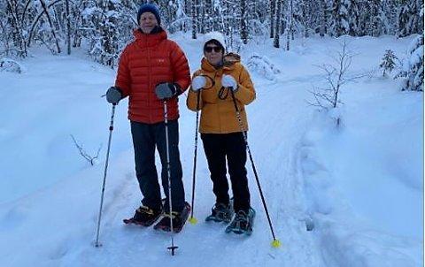 PÅ TRUGER: Erna og Kai Magne Andersen går på truger i løypene på Koppang Østkjøl.