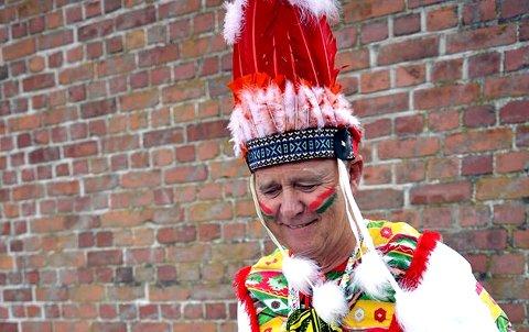 """- I min aller første statistrolle var jeg utkledd som indianer på et karneval i den populære NRK-serien """"Side om side"""". Vi holdt på i tre dager, men scenen på skjermen varte ikke mange sekundene."""