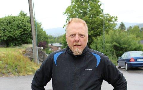 BLE HØRT: Pål Huseby Larsen har kjempet for fartsreduserende tiltak i nabolaget.