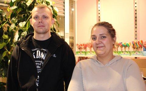 – Helt topp med konsesjon! øndag åpner vi Langesund Bygdekino med tre filmvisninger i Sentrumsgården, sier styremedlem Stian Jacobsen og styreleder Christina Norderud Nilsen.
