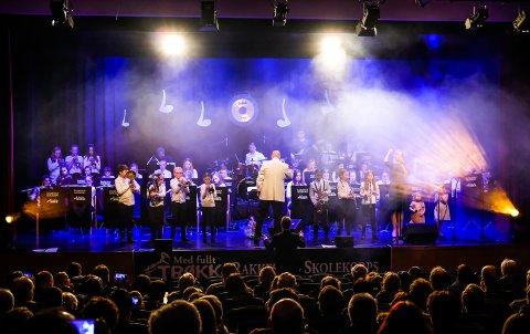 Rakkestad skolekorps leverte en god konsert med et bredt musikalsk spekter da de satte opp konserten «Gammel og ny i perfekt harmoni» i kinosalen i mars 2018.