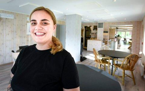 Erika Merkert kommer fra Skåne, men har som 28-åring allerede slått rot på Helgelandskysten.