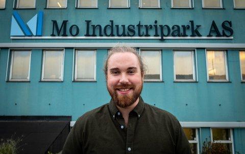 Benjamin Strøm Bøen har sluttet hos TV Klipp til fordel for Mo Industripark. Her skal han bryne seg på nye utfordringer som kommunikasjonsrådgiver.