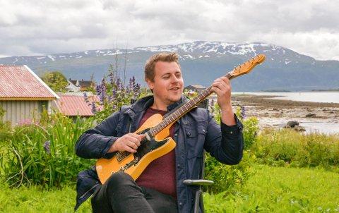 August Næss Jørgensen slipper sin første låt som soloartist