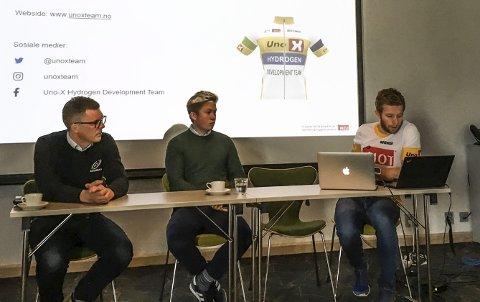 Lederne i Lillehammer og Ringerike sykkelklubb, David Tofthagen og Tommy Berglind, sammen med sponsor Jens Haugland fra Uno-X