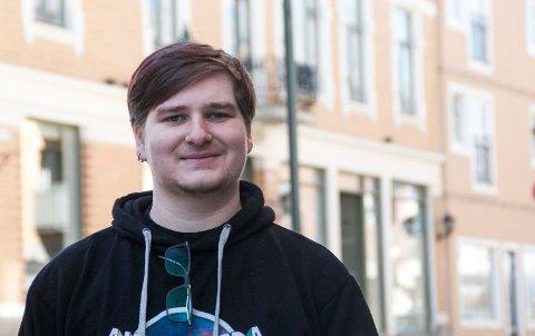 Musiker: Haakon Mosengen (20) er musiker og tenker ofte over konsekvensen ved høy musikk.