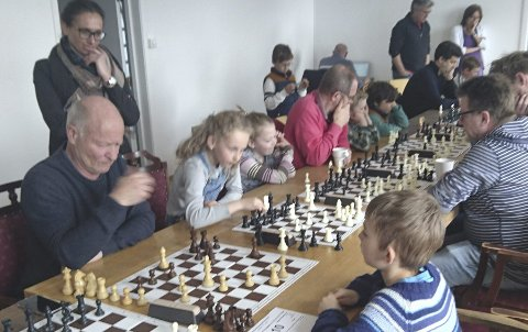 Ny turnering: Hurum Sjakklubb arrangerte turnering i påsken for dem som ikke tok turen opp i fjellet sist uke.