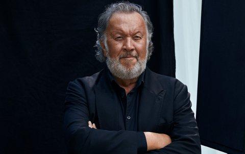 KOMMER: Bjørn Eidsvåg har satt Spikkestad på turnékartet og kommer til Teglen 21. oktober. Det er hans første konsertbesøk her. - Det er på høyt tid, sier han og ler.