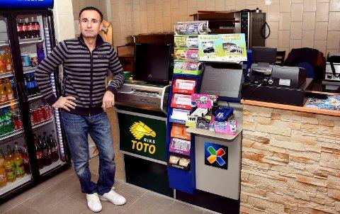 LEIER UT: Wahab Abdo Mohammed ønsker å leie ut Borgen pizza og kebab.