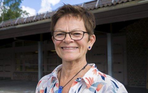 TAKKER FOR SEG: Etter 48 år i Askim-skolen blir Unni Løkke nå pensjonist.