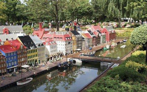 Denne byen er ikke så stor, og det er ikke den danske byen den ligger i heller ...