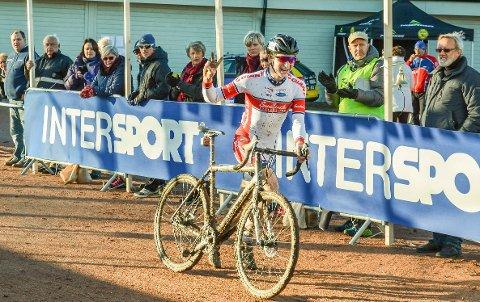 Gabriel Slinger kom seg inn til sølv under NM Sykkelcross i 2015. Arkivfoto.