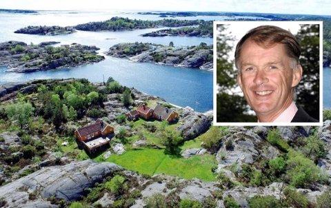 STORE TOMTER: De to fritidseiendommene har et samlet areal på 18 mål. Jonas Gustaf Aspelin Ramm punget ut nesten 30 millioner i fjor sommer - åtte millioner under prisantydning.