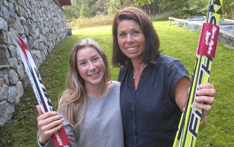 Ski er livslang læring: – Når du først er blitt glad i å gå på ski, beholder du ferdighetene livet ut, sier Hege Bakken som sammen med datteren Tone Ingrid stortrives i langrennsmiljøet i Heddal IL.