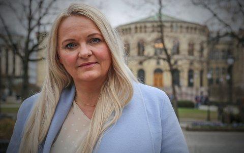 LANDET: – Det er ikke bare i Telemark man sliter med mobiltelefondekningen, dette er et problem på mange steder over hele landet, også noen steder i byene, sier stortingsrepresentant Åslaug Sem-Jacobsen (Sp).