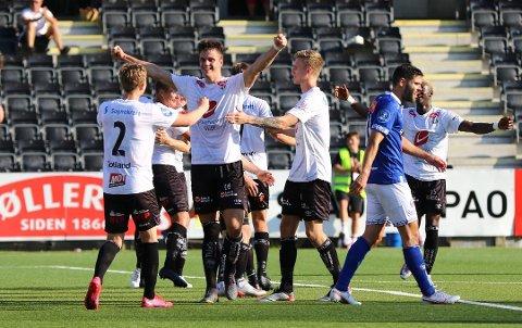 Kristoffer Hoven sørget for sitt sjette mål i årets sesong da han gjorde 2–0 for Sogndal i møtet med Ranheim.