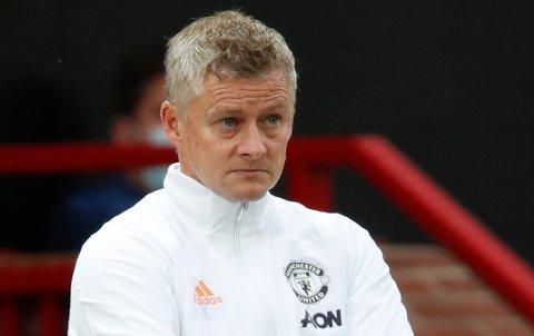 Manchester United-manager Ole Gunnar Solskjær forsvarer sine spillere, men ønsker å se dem bedre mot Newcastle lørdag.