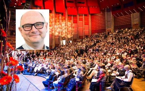 STADIG FLERE: Påmelding til neste års konfirmasjon viser rekordtall for humanistisk konfirmasjon i Vestfold. Knut Kaspersen, avdelingsleder i Human-Etisk Forbund, har aldri hatt større pågang.