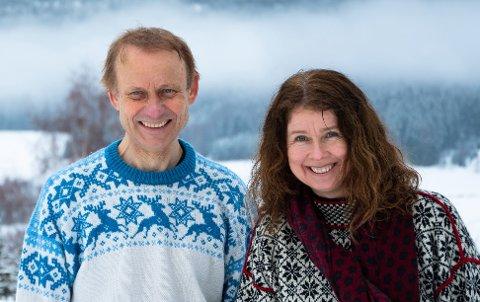 MILJØPOLITIKERE:Vidar Myhre og Anne Hilde Røsvik har reist fra Nittedal til Fornebo i helga for å være med på Miljøpartiet De Grønnes landsmøte.